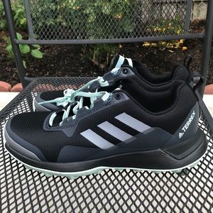 Adidas Terrence 7.5 running shoes